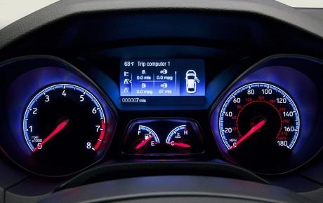 2016 Ford Focus RS Nyu-York avtomobil sərgisində