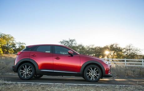 Mazda şirkəti 2016 CX-3 krossoveri haqda yeni məlumat verib.