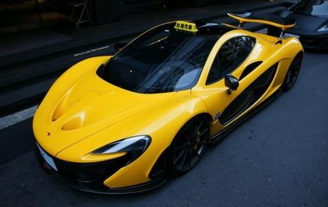 """Tayvan küçələrində sarı rəngli """"McLaren P1"""" taksi kimi istifadə edirlər?"""