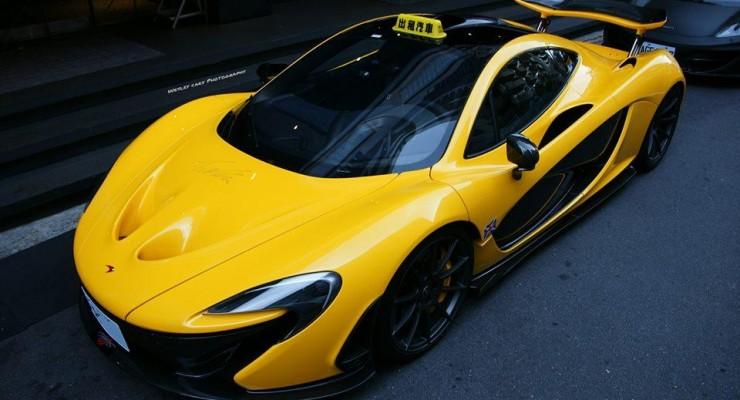 """Tayvan küçələrində sarı rəngli """"McLaren P1″ taksi kimi istifadə edirlər?"""